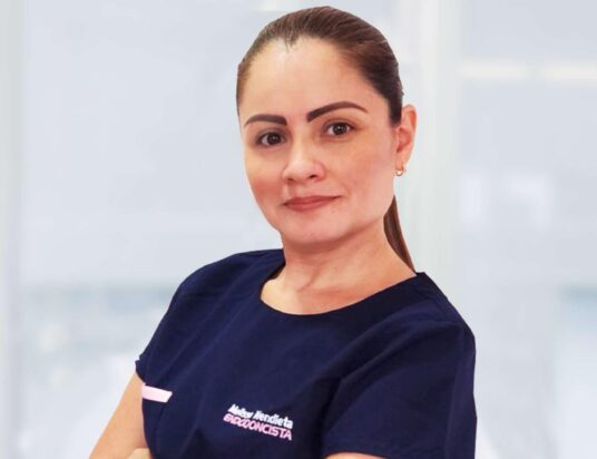Melissa Mendieta Endodoncista